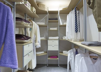 Walk in wardrobe - adjustable shelving - pole interior