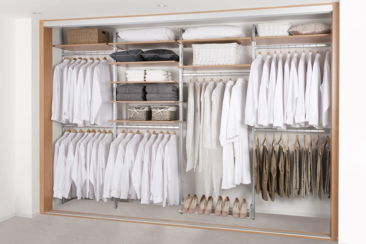 wardrobe_organised
