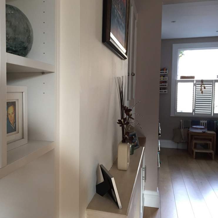 Fitted furniture in open plan dining area